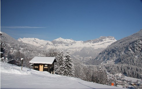 Cabin for two on the ski piste